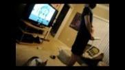 Wii Fit + Кученце Корги = Разбита плазма