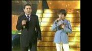 Диано Мацоне и баща му Джузепе пеят 'sciuri Sciuri'