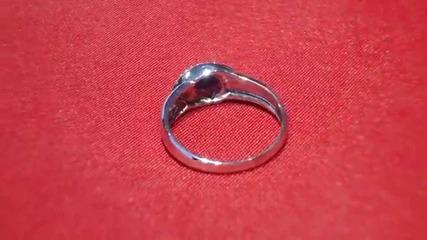 модерен годежен пръстен със сапфир и диаманти Kirkorian Diamonds