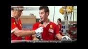 Видеото по-долу показва процеса по сглобяване на двигателя на Ferrari 458 Italia.