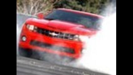 Chevy Camaro Ss Те разкъсва с 13 сек 1 / 4 Mile!