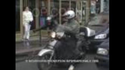 Скрита камера луд моторист