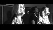 Monalisa Twins - Friday on My Mind (the Easybeats cover) - на живо!