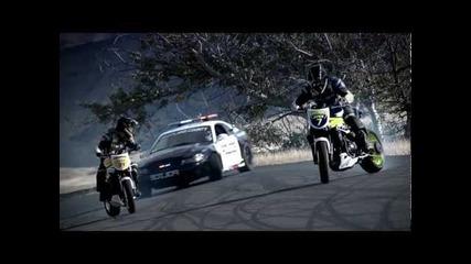 *hd* Полицай срещу двама мотористи Дрифт