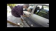 Xaxa пример как някой си забравя ключовете на вратата на автомобила