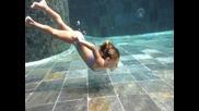 Carla Underwater (2)