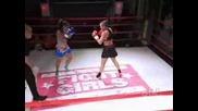 Женски бой: Dawn vs. Jeanine- Thai Boxer babes mix it up