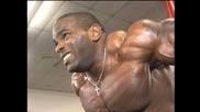 Pro Bodybuilder Johnnie Jackson arms training