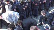 """в Харков народа напляскал лумпените от """"прав сектор"""" и """"любезно"""" им правят коридор да се махат"""