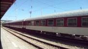 Бв 2655 с локомотив 45 204 пристига и заминава от Шумен