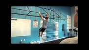 Crossfit Chris Spealler does 106 Pullups in 1 minute, 36 seconds