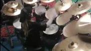 10 годишно дете свири на барабани песента Master of Puppets на Metallica
