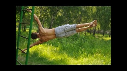 Workout Omsk - Human flag push ups and full planche on the bar