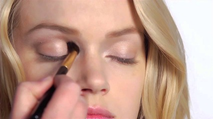 Get the Look: The Bombshell Look