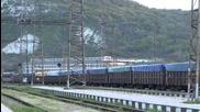 43 и 44 139 с товарен влак през Синдел