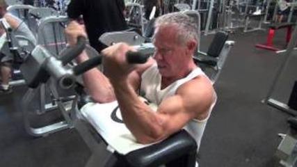 80 Годишен Бодибилдър тренира бицепс Здрав дух Здраво тяло !!!!!!!!!!