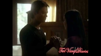 The Vampire Diaries - Damons California king bed