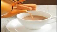 Как се добавя мляко към кафе - Howtobasic