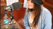 Дулсе Мариа в студио Los 40 Principales, Чили