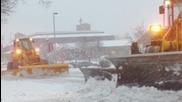 Снежни Бури и Сибирски Студ Сковават С А Щ