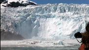 Отчупване на голяма буца лед и падане в морето 28.5.2010