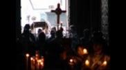 Патриарх совершил утреню с чином погребения Христа