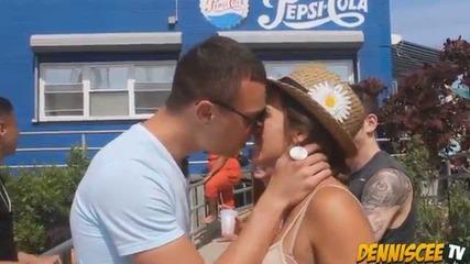 целувка чрез трик (част 2-ра)