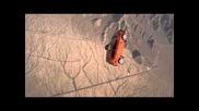 Chevrolet Aveo скача с парашут