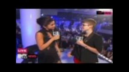 Selena Gomez and Justin Bieber - Mtv Vma 2011