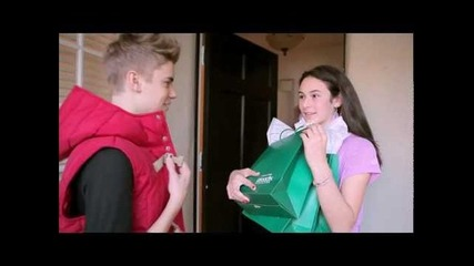 What if Justin Bieber knocked on your door to give you some Proactiv? (official)