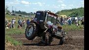 Лудо състезание с трактори