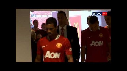 Funny moment as Evra sings for Wembley | Manchester City 2-3