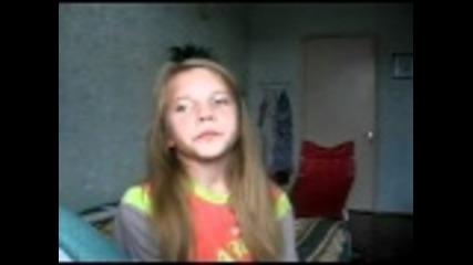 Eleven Year Old Russian Girl is a Beatboxing Pro (tova momi4e 6te vi razbie)
