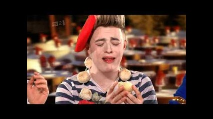 Jedward Eating An Onion On Celebrity Juice