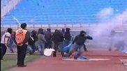 Bagarre holigans grecs dans un stade