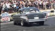 1957 Chevrolet Bel Air бърнаут със сликове!