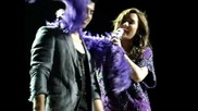 Joe Jonas & Demi Lovato This Is Me/wouldn't Change A Thing Camden August 27, 2010