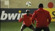 Телепатични футбол: Йорк и Коул срещу Рууни, Уелбек и Ернандес