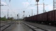 44 108 и 43 514 с 45 вагонен товарен влак заминава от Шумен