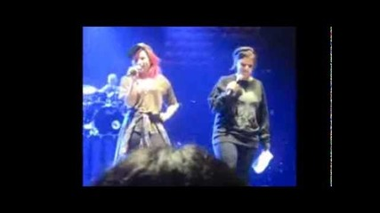 Demi Lovato- Q&a (vip Soundcheck Neon Lights Tour 2/25/14)