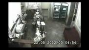 Земетресение в Перник от охранителните камери на мотел до епицентъра - 22.05.2012 - 5,8 по Рихтер