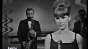 Astrud Gilberto and Stan Getz: The Girl From Ipanema - 1964