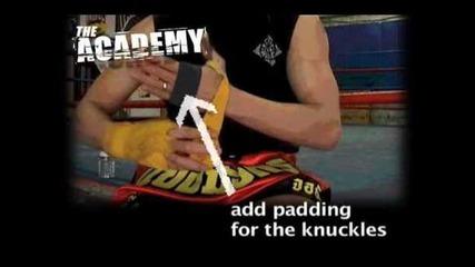 Muay Thai - Слагане на бинтове.