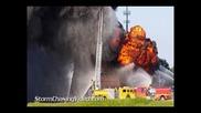 Пожарникари се опитват да огасят огромен пожар в Норман / Оклахома - 25.8.2013