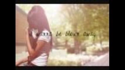 B-e-a-utiful - Megan Nicole Lyrics