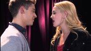 Federico y Ludmila cantan Te Creo