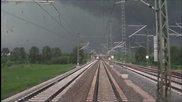 От кабината на локомотива по време на тежка буря в Германия