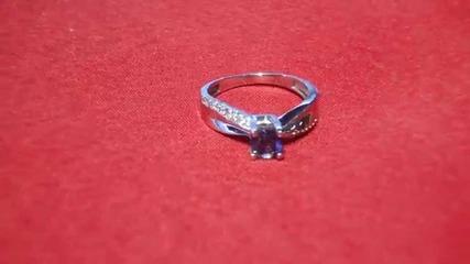 модерен годежен прьстен сьс сапфир и диаманти Kirkorian Diamonds