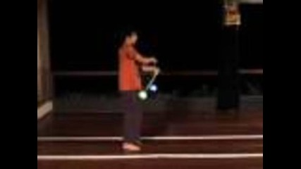 Beginner Poi Spinning Lesson: Crossing Poi Same Time
