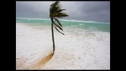 Гигантска буря по крайбрежието